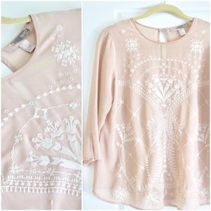 FOREVER 21 / Dusty Pink White Embroidered Blouse